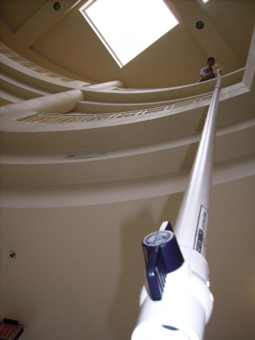 Tanya Mikulas, physics 2008, built a giant leaky pendulum